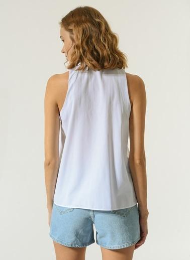 NGSTYLE Kadın Kolsuz  Gömlek NGKSS21GM0008 Beyaz
